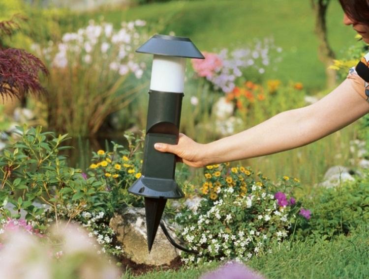 грибовидный уличный светильник